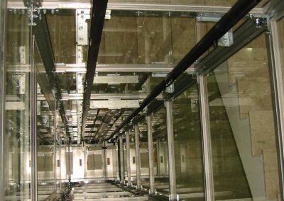 Installazione piattaforma elevatrice idraulica con incastellatura in alluminio portante da interno