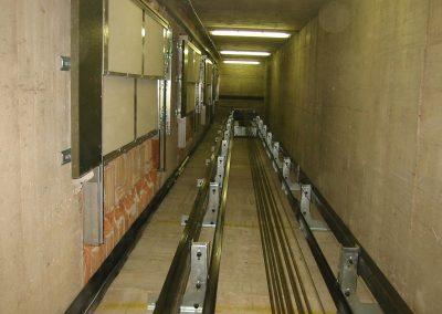ascensore mrl in vano in cemento armato con accessi contigui