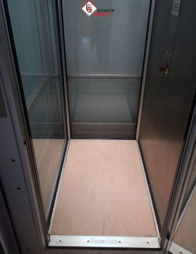 Piattaforme elevatrici per Castel Romano Designer Outlet pavimento