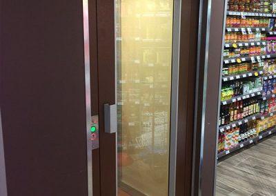 Piattaforma elevatrice per supermercato