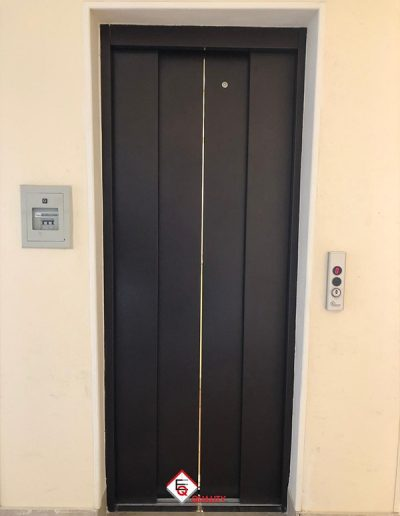 modernizzazione ascensore con porte automatiche