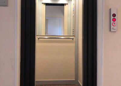 Trasformazione ascensori da porte a battente a porte automatiche