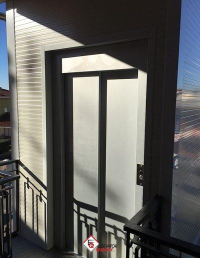 Montalettighe con tamponatura in pannelli per isolamento termico esterno cabina