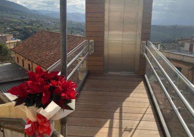 Inaugurazione Piattaforma elevatrice con vano rivestito in legno e porte automatiche