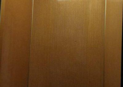 interno vecchio ascensore a fune